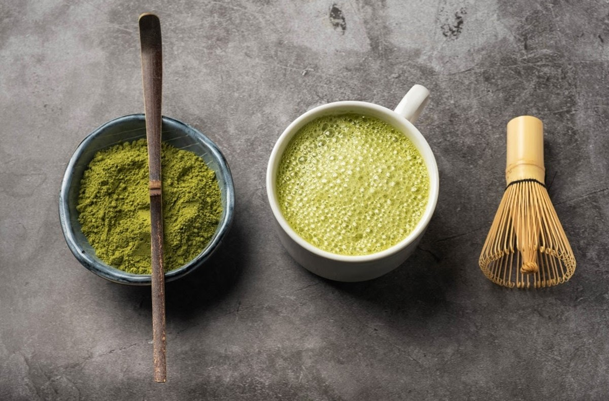 Matcha powder and tea ALT_TITLE