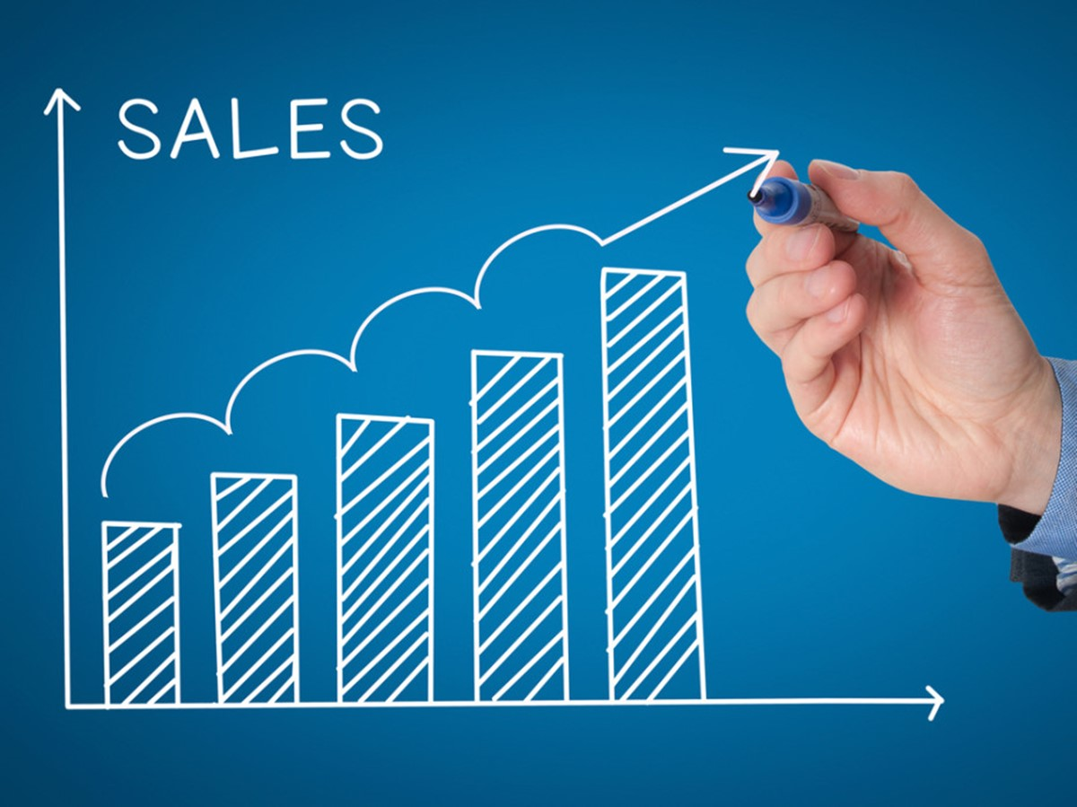 Build go-to-market strategy: Select a sales strategy